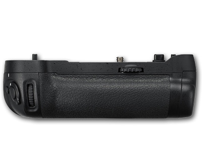 Battery Grip MB-D17 for D500